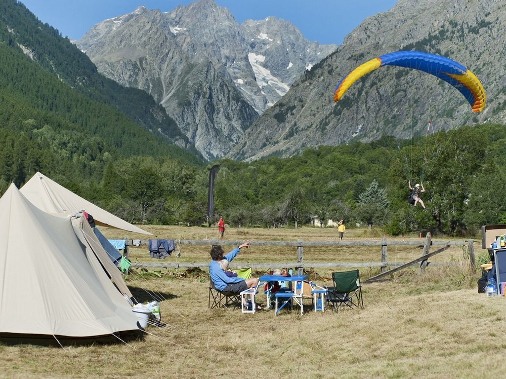 Camping Huttopia Vallouise (Vallouise à 1 km)