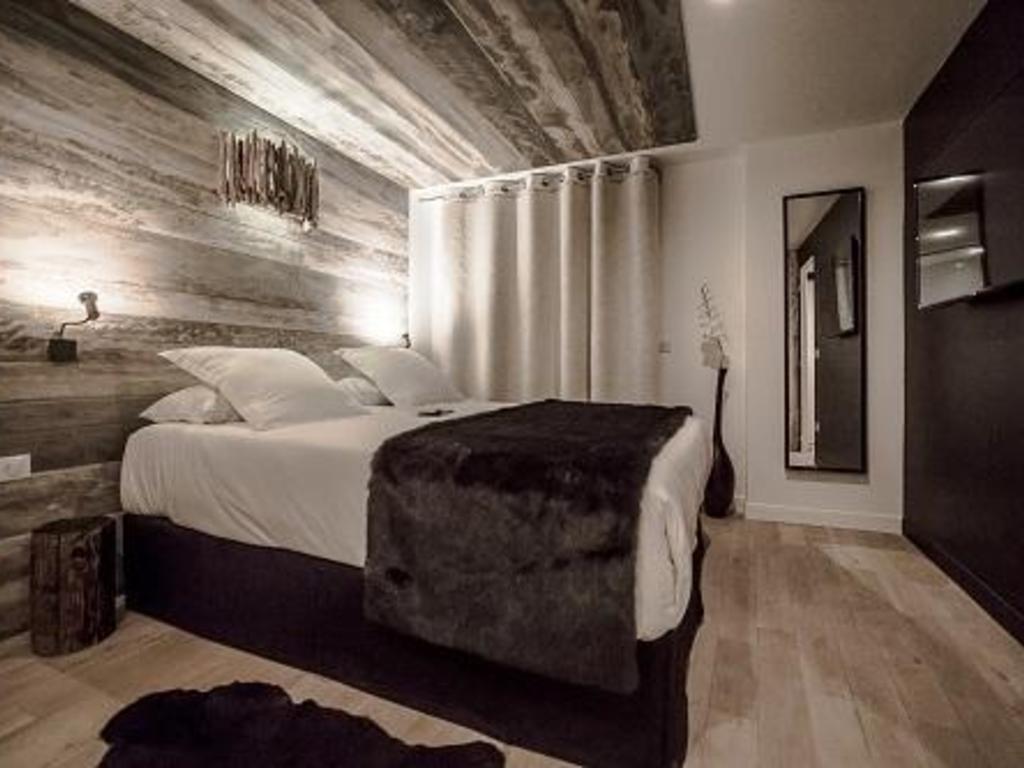 Hôtel Le Rock Noir La Salle les Alpes 1400